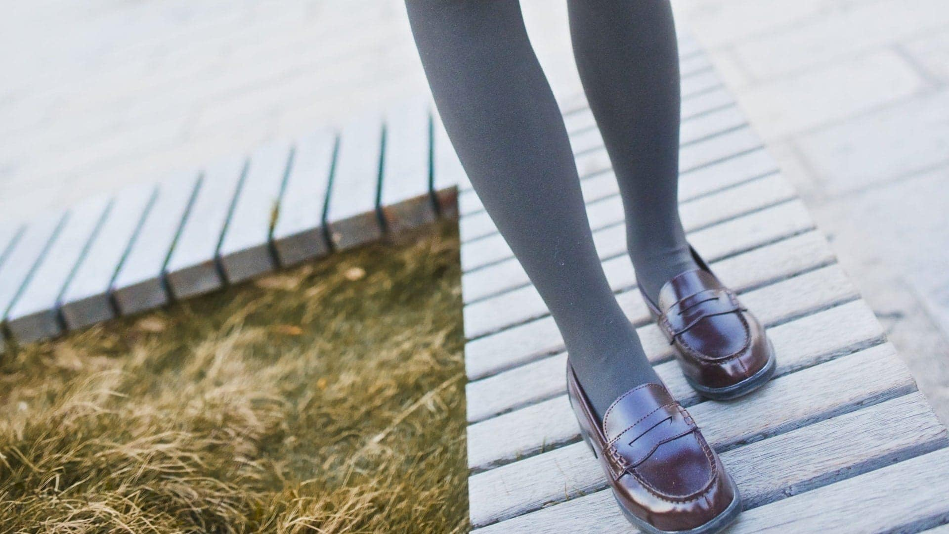 girl-wearing-loafers
