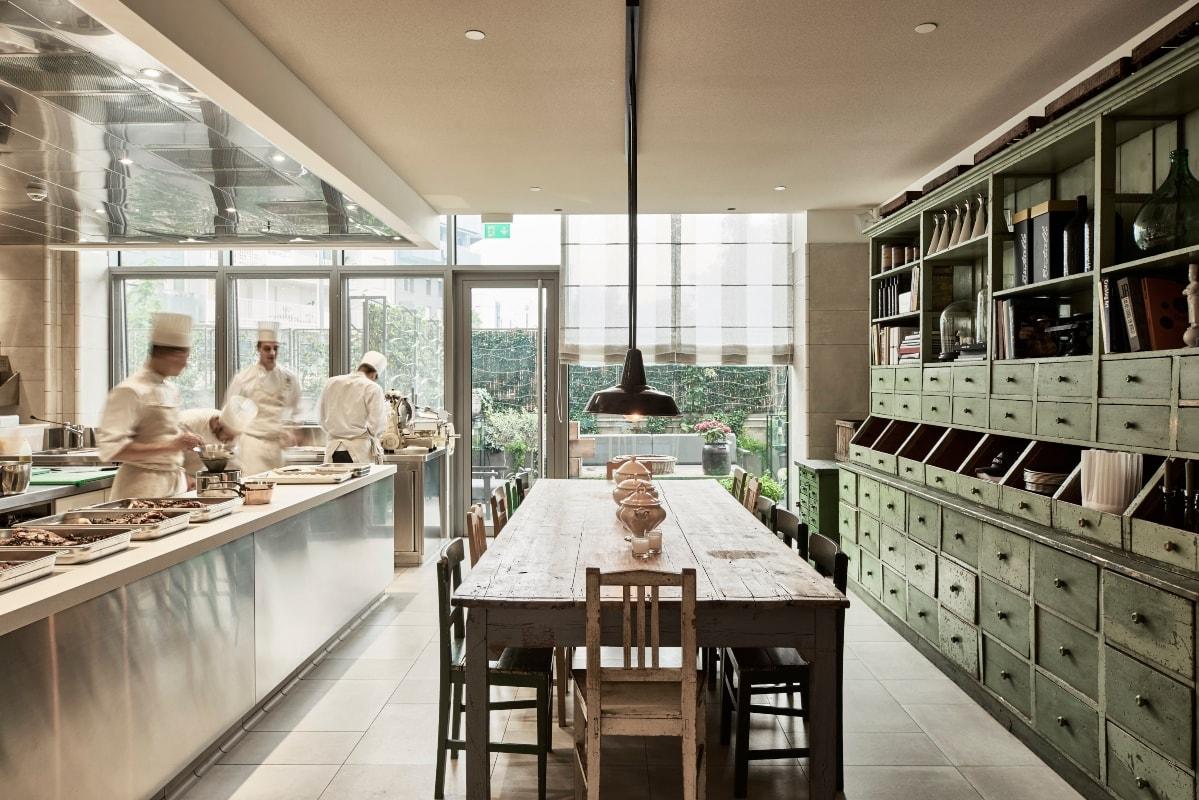 talk with diego novarino general manager hotel viu chef tableOK